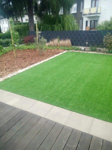 Kunstrasen-Verlegung_Garten