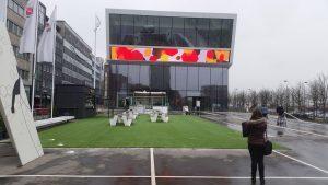 Kunstrasen vor Deutschem Fussballmuseum